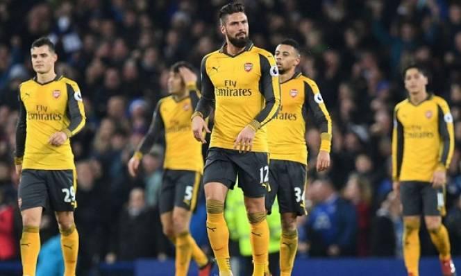 Gary Neville: 'Arsenal thất bại vì các cầu thủ quá lười'