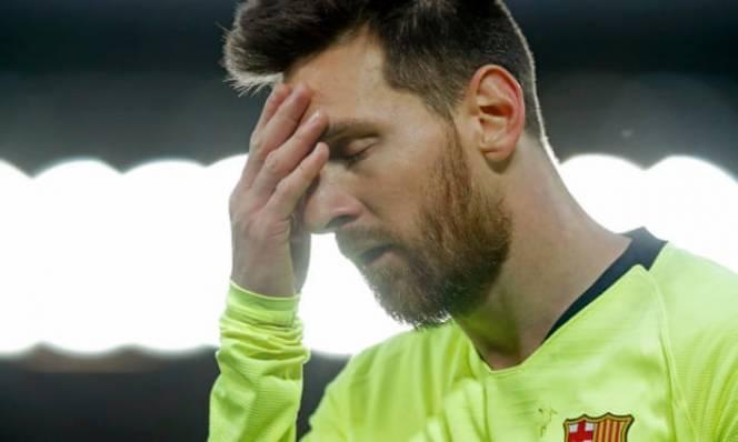 Messi bật khóc ngay khi bước vào phòng thay đồ