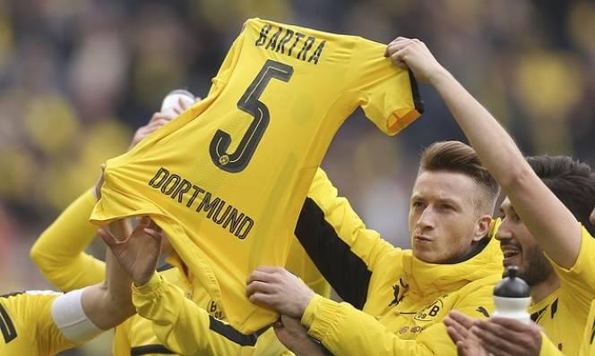 Reus nổ súng ngày tái xuất, Dortmund thắng trận đầu tiên sau vụ đánh bom