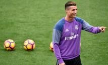 Ronaldo nhuộm tóc trước ngày 'nhận QBV'