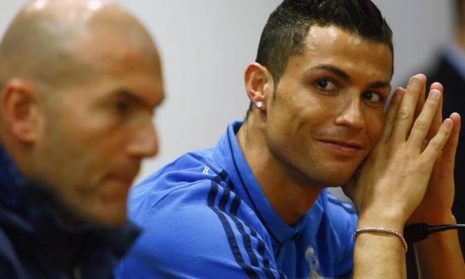 HLV Zidane đích thân lên tiếng giữ chân Ronaldo