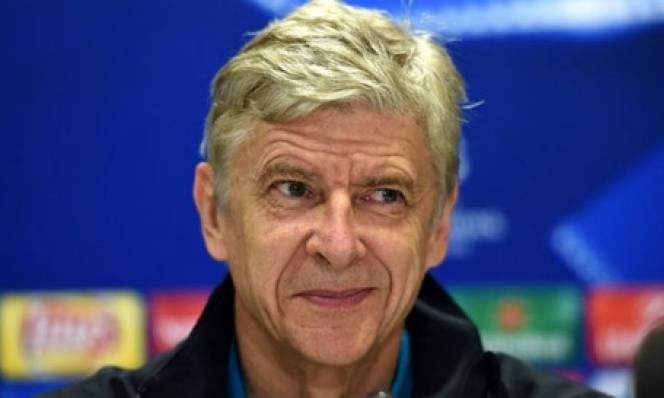 George Weah chưa lên Tổng thống, HLV Wenger đã 'cầm đèn chạy trước ô tô'