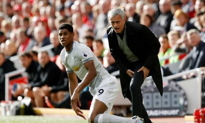 Sỉ nhục cầu thủ MU quá nhiều, Mourinho sẽ lại mất ghế?