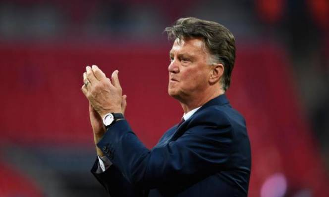 NÓNG: Cựu HLV Man Utd tuyên bố giải nghệ