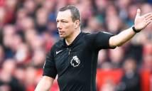 Dư luận xôn xao với cách cư xử của trọng tài Kevin Friend ở trận MU - Bournemouth