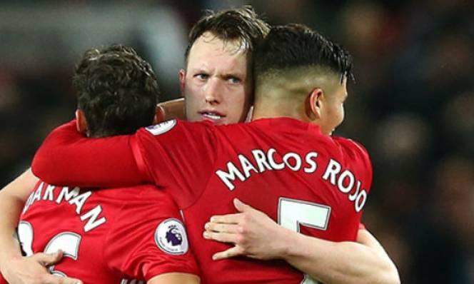 M.U có thể mất 9 cầu thủ ở trận gặp Liverpool