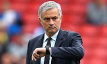 Hòa chật vật Everton, MU của Mourinho còn tệ hơn Van Gaal