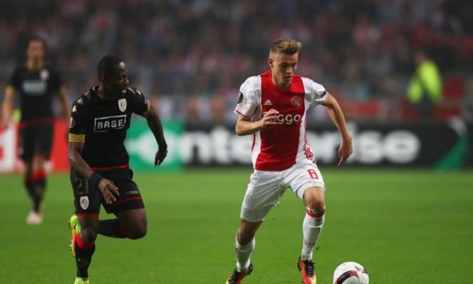 Standard Liege vs Ajax, 03h05 ngày 9/12: Thắng bao nhiêu cho đủ?