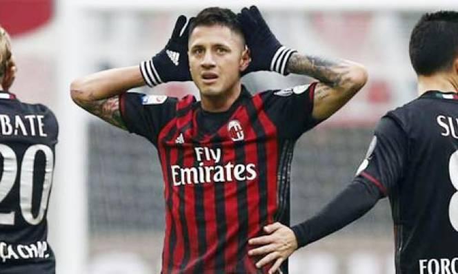 Lapadula và hành trình phá vỡ lời nguyền số 9 ở Milan