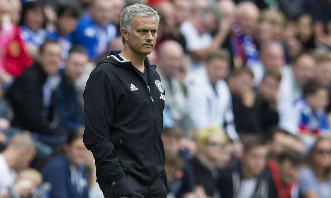 Mourinho đau đầu tìm bộ khung cho MU