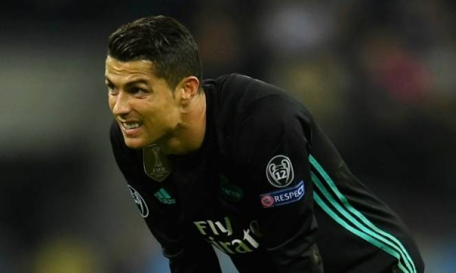 Thua Tottenham, Ronaldo CHÍNH THỨC tuyên bố không gia hạn hợp đồng với Real Madrid