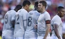 Man United thua Barcelona vì cầu thủ mặc áo màu xám, khó nhìn thấy nhau
