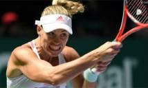 Đánh bại Simona Halep, Kerber đặt một chân vào bán kết WTA Finals