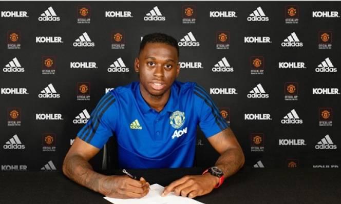 CHÍNH THỨC: Bissaka đã là người của Man Utd sau hơn 1 tháng theo đuổi
