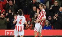 'Sếu vườn' Crouch gia nhập CLB 100 ở Premier League