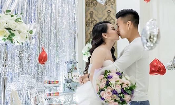Vũ Văn Thanh đốn tim fan nữ bằng quà Valentine sớm cho bạn gái