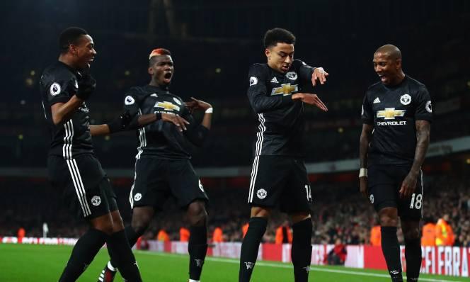 Champions League chưa đá lại, Man Utd đã trả đũa đối thủ