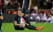 Mourinho nổi đóa vì Phil Jones lại chấn thương khi lên tuyển