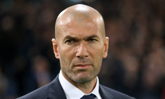 Con trai Zidane tạo nên thảm họa trong màu áo Real