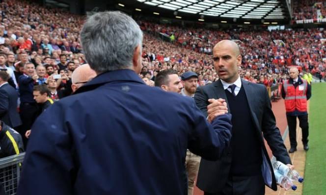 Pep Guardiola 'về đội'...Mourinho