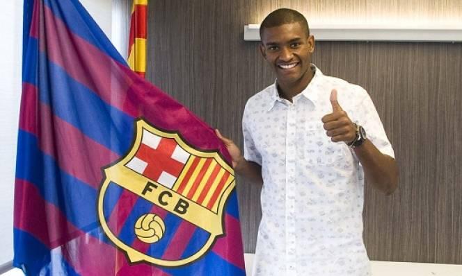 Barca đánh bạc với trung vệ trẻ Marlon Santos