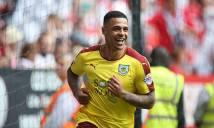 Burnley vô địch Hạng Nhất Anh, cùng Middlesbrough thăng hạng
