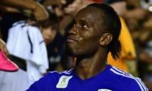 Drogba bị phạt vì... chống đối HLV