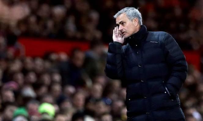 Mourinho lý giải tình huống va chạm với Jurgen Klopp