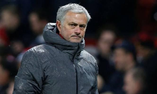 Cấp thêm 100 triệu bảng 'shopping', M.U quyết giữ Mourinho