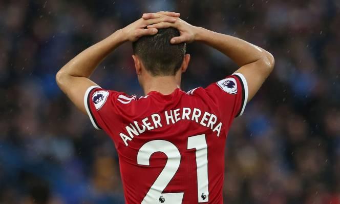 Nội bộ MU lục đục sau trận thua sốc Huddersfield