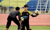 Điểm tin bóng đá VN sáng 21/03:  Tiết lộ lý do thủ môn Tiến Dũng hội quân muộn với FLC Thanh Hóa