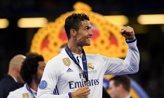Ronaldo rực sáng, Real Madrid phá vỡ lời nguyền Champions League