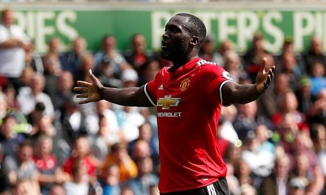 Nổ súng liên tục, Lukaku đi vào lịch sử Manchester United