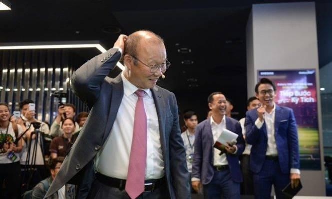 Sau 4 tiếng đàm phán, VFF vẫn chưa kí được hợp đồng mới với HLV Park Hang Seo