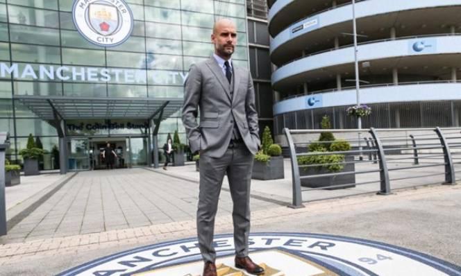 Sốc với lương thưởng của Pep tại Man City