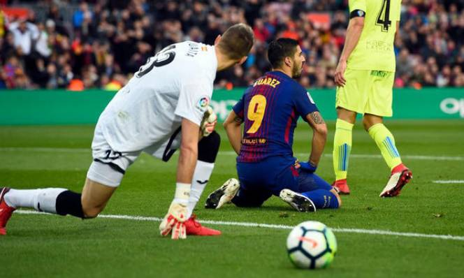 Tổng quan vòng 23 Liga: Barca trượt chân, Real tỉnh cơn mơ