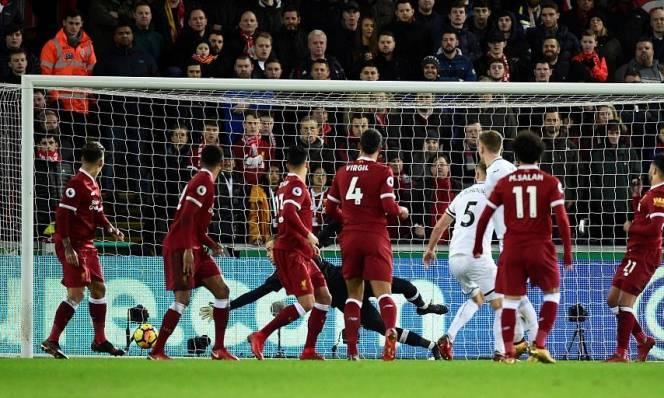 Kết quả bóng đá hôm nay 23/1: Liverpool lại gây thất vọng trước đội bét bảng