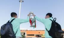 Gần 1 năm sau chức vô địch Euro, Ronaldo mới được mang cúp về quê hương