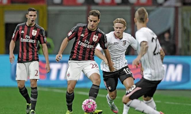 Palermo vs AC Milan, 21h00 ngày 06/11: Thời cơ trao tay