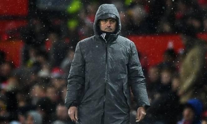 Thắng nhọc, Mourinho than trách Martial và Rashford