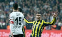 Ở Thổ Nhĩ Kỳ, Van Persie vẫn không quên chọc tức Arsenal với hành động này