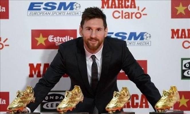 Messi giành 'Chiếc giày vàng châu Âu' thứ 4, cân bằng thành tích với Ronaldo