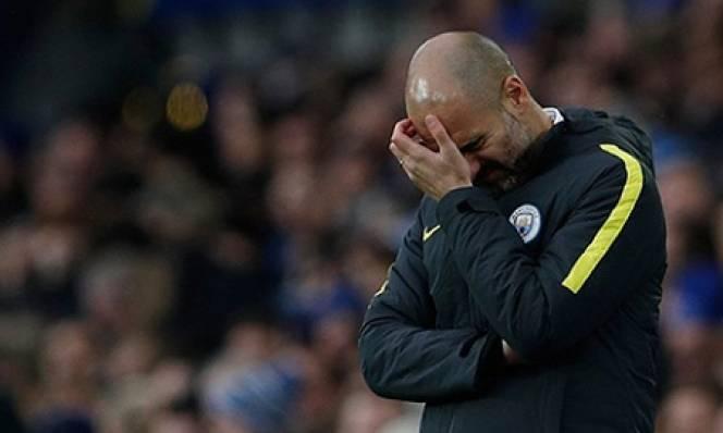 Pep Guardiola: Thay đổi hoặc ra đi