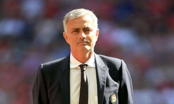 Kẻ chỉ trích Mourinho lên tiếng nhận lỗi