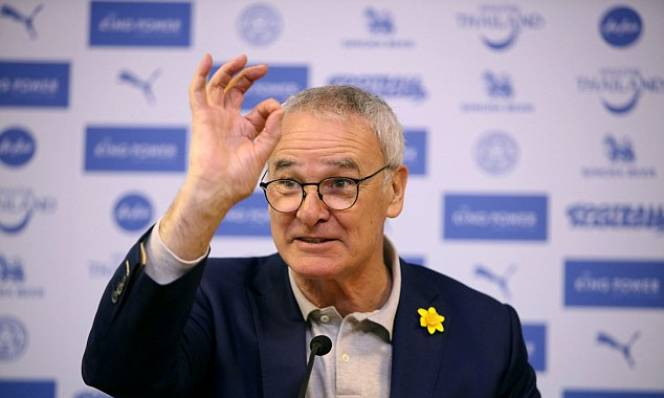 Bị Leicester sa thải, Claudio Ranieri vẫn được FIGC vinh danh
