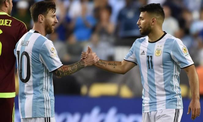 Aguero lại thả thính Messi về Man City