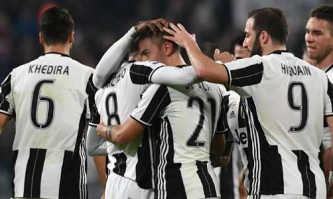 Đại thắng Palermo, Juventus tiếp tục cho Roma hít khói