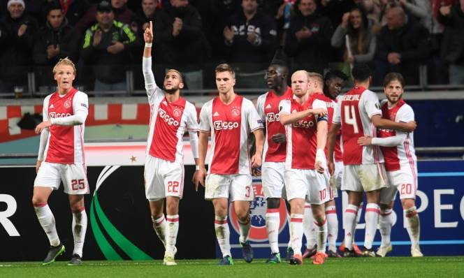 Ajax vs Copenhagen, 03h05 ngày 17/03: Vé từ sân nhà
