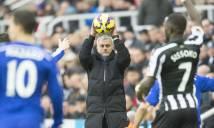 Mourinho ra quyết định gây sốc với cậu bé nhặt bóng