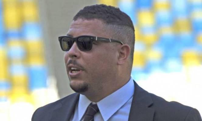 Rô 'béo' tiết lộ mua một CLB Anh, chuẩn bị làm 'sếp lớn' cho Brazil